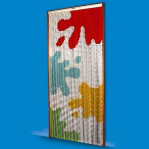 Cortina de tiras con dibujo de manchas de pintura